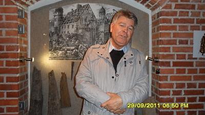 Profesor Andrzej W. Sowa na wycieczce integracyjnej na zamku w Tykocinie