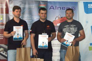 Inż. Łukasz Niemyjski (pierwszy z prawej), student kierunku Elektrotechnika, nagrodzony w ramach zawodów robotycznych Bałtyckie Bitwy Robotów 2018