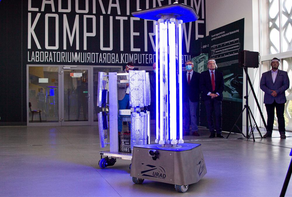 Prototyp i wersja produkcyjna robota RobUV