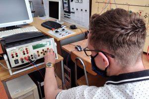 Laboratorium automatyki elektroenergetycznej.
