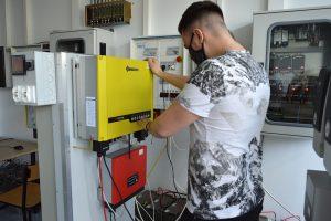 Laboratorium odnawialnych źródeł energii.