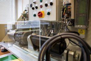 Laboratorium na Wydziale Elektrycznym PB (7), fot. Gabriela Kościuk