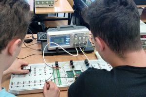Laboratorium elektroniki samochodowej