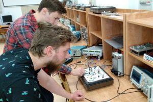 Laboratorium układów elektronicznych